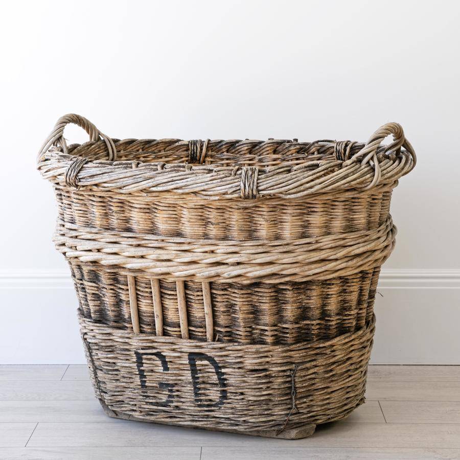 VERY LARGE CHAMPAGNE BASKET
