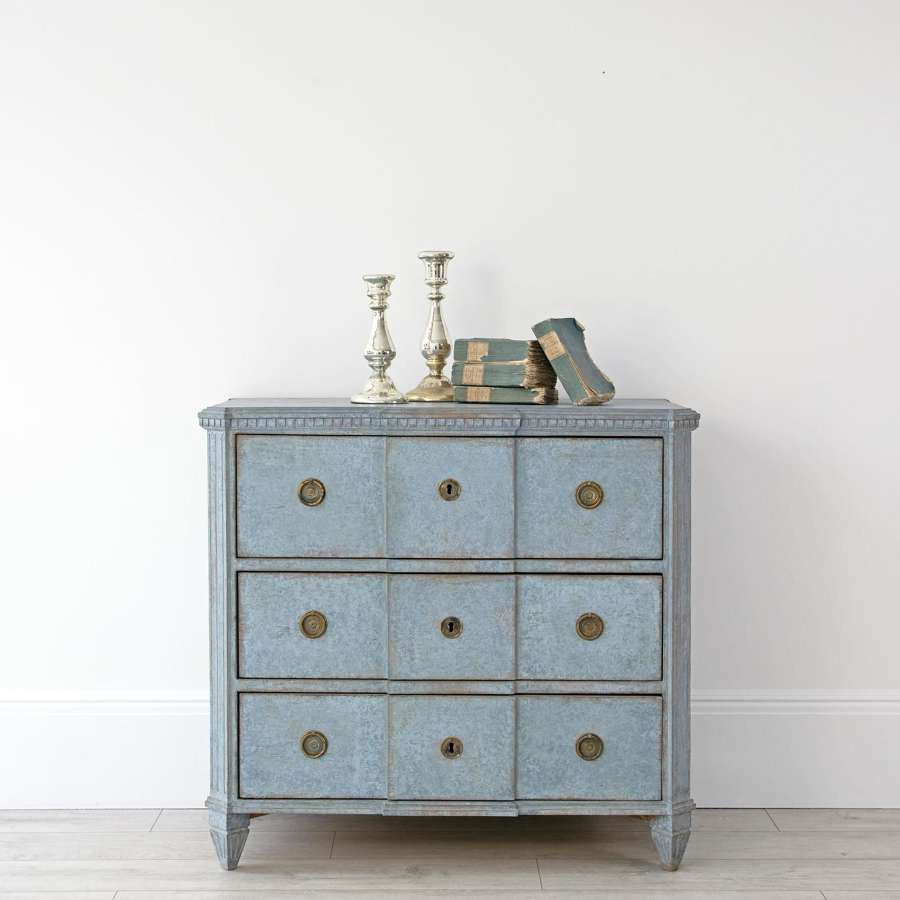 GUSTAVIAN BREAKFRONT CHEST