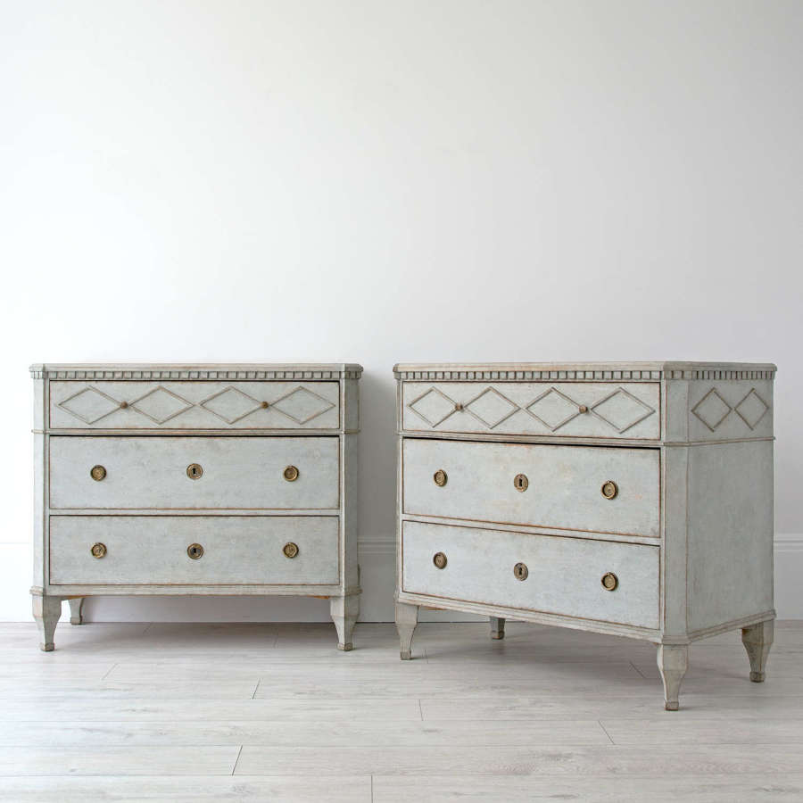 PAIR OF GUSTAVIAN STYLE CHESTS
