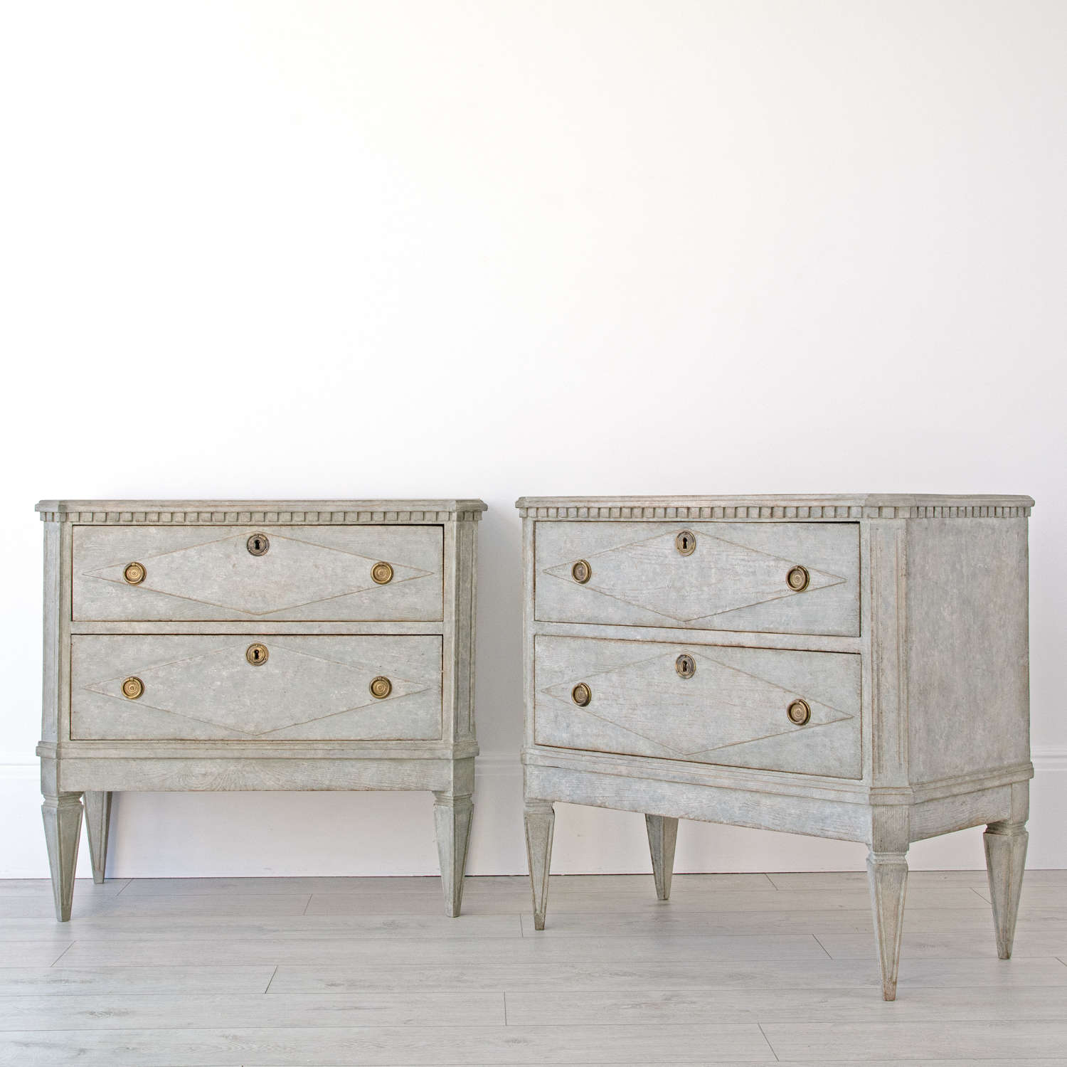 PAIR OF GUSTAVIAN STYLE BEDSIDE CHESTS