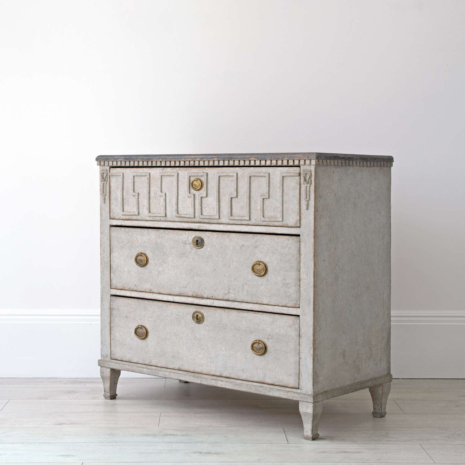 EMPIRE STYLE CHEST