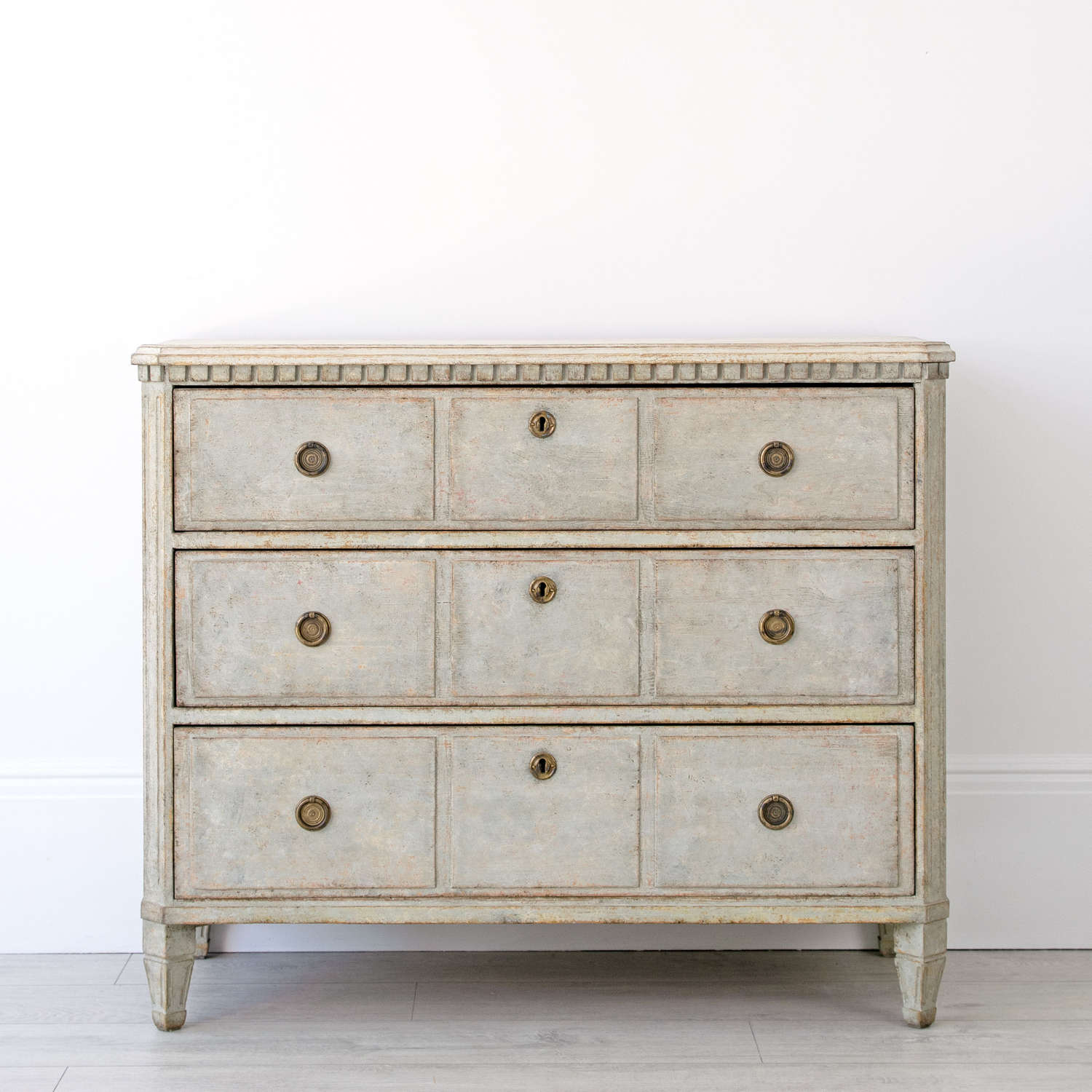 GUSTAVIAN STYLE COMMODE